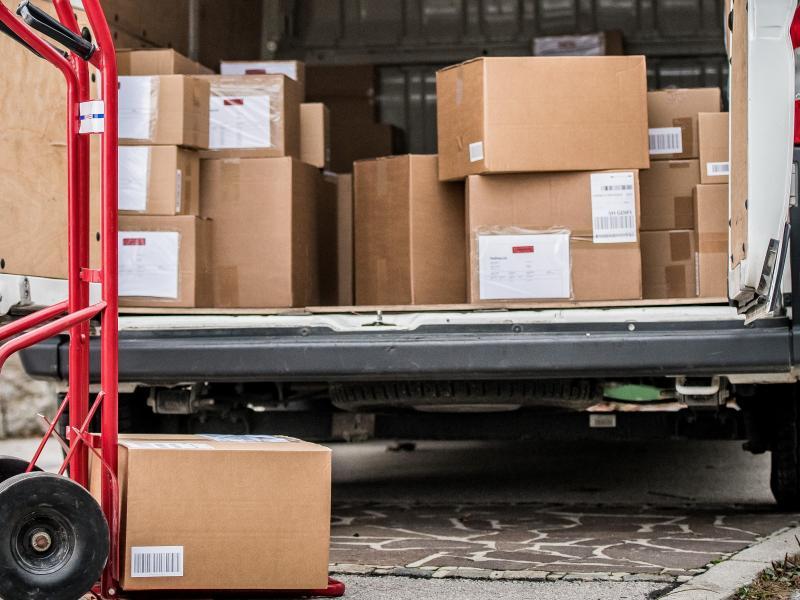 Pandemic Purchasing Exacerbates Inequities in Urban Freight